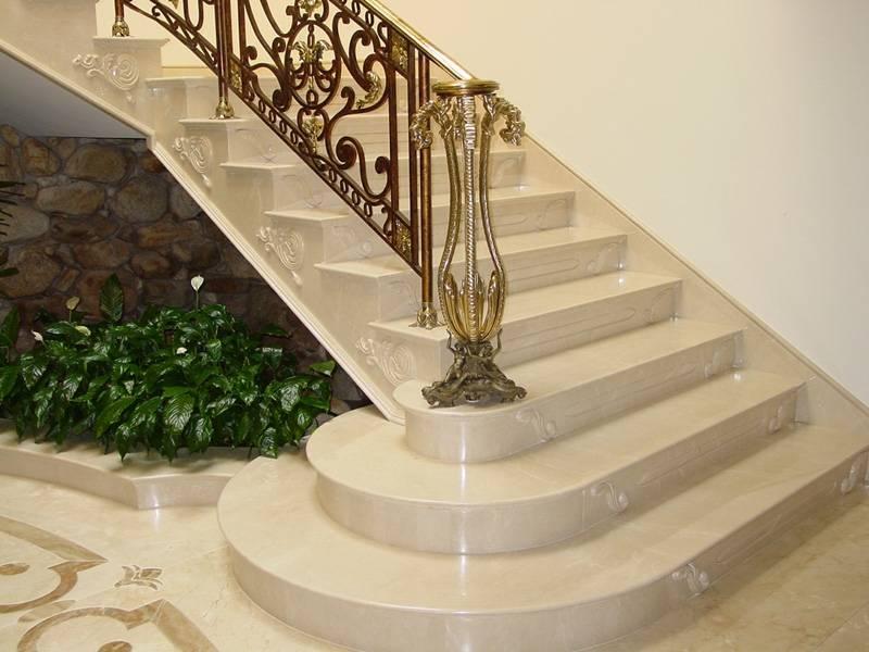 Escada de Granito com Pingadeira Preço Tremembé - Escada de Granito Travertino