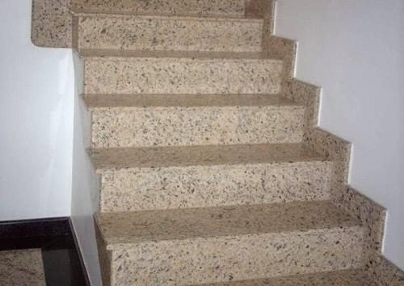 Escada de Granito com Rodapé Macedo - Escada de Granito Travertino