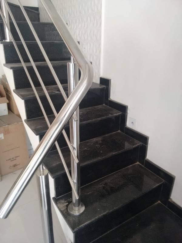 Escadas de Granito Macedo - Escada de Granito Travertino