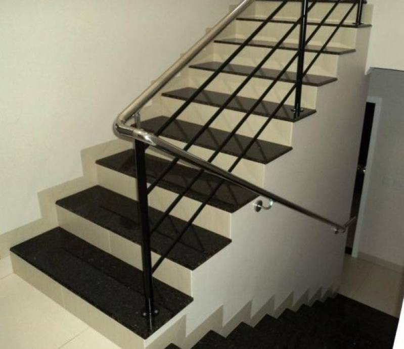 Quanto Custa Escada de Granito Preto Freguesia do Ó - Escada de Granito Travertino