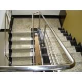 escadas de granito residencial