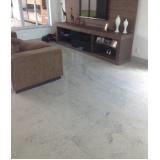 piso de mármore branco